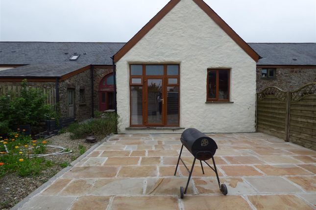 Thumbnail Cottage to rent in Home Farm Cottage, Crundale, Haverfordwest