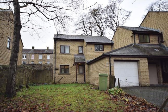3 bed terraced house to rent in Botham Hall Road, Longwood, Huddersfield HD3