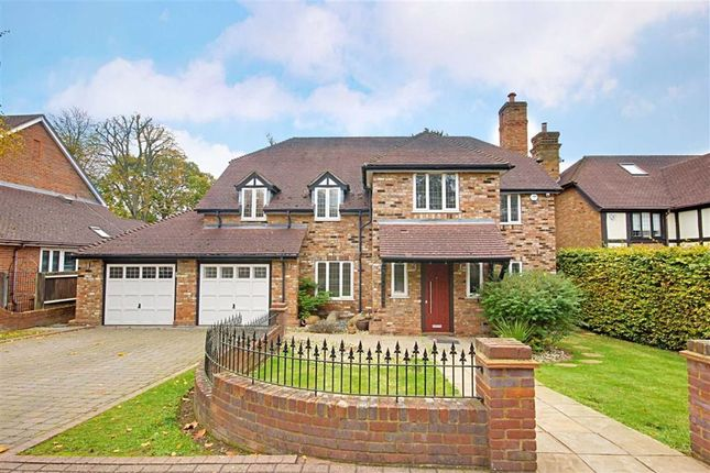 5 bed detached house to rent in Old Orchard Close, Hadley Wood, Hertfordshire EN4