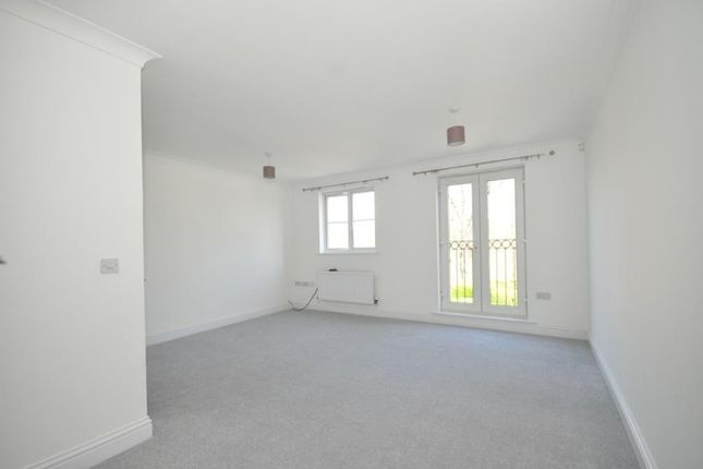 3 bed end terrace house to rent in Old School Place, Waddon, Croydon CR0