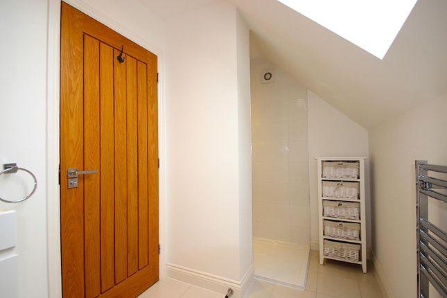 En-Suite of Howards Court, Kirby Muxloe, Leicester LE9