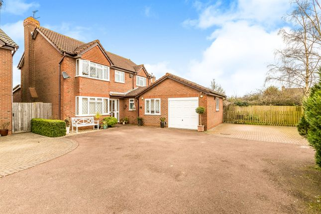 Thumbnail Detached house for sale in Walnut Close, Brackley