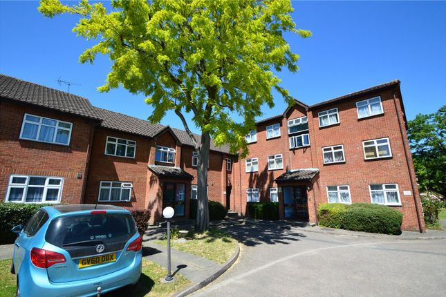 Thumbnail Flat for sale in Meridian Court, 26A Fernleigh Close, Croydon