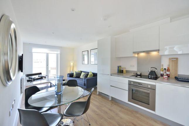 Flat to rent in Headstone Road, Harrow