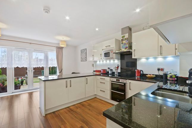 Thumbnail Property to rent in Westmount Close, Worcester Park