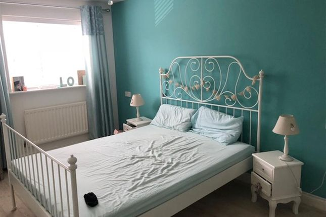 Thumbnail Detached house for sale in Marsh View, Gravesend, Kent