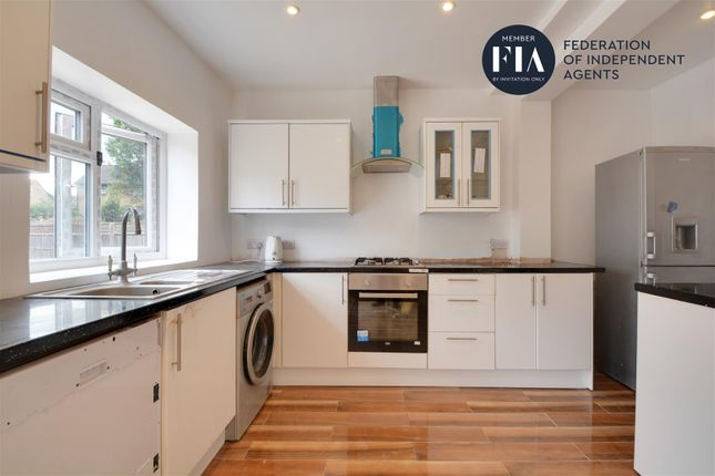 Kitchen of Lionel Road North, Brentford TW8