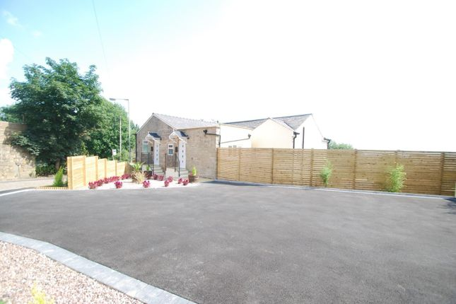 2 bed flat for sale in Walmersley Old Road, Bury BL9