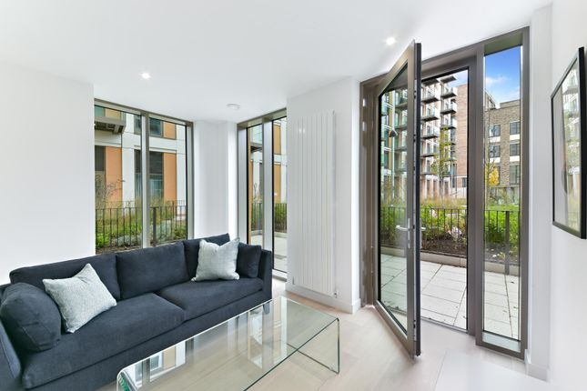 Flat for sale in Sienna House, Royal Wharf, London