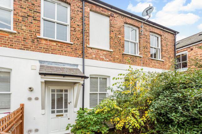 Thumbnail Maisonette to rent in Steele Road, London
