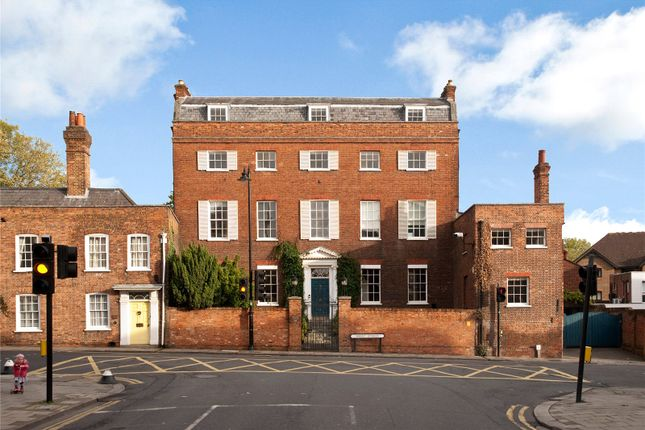 Thumbnail Town house for sale in Sheet Street, Windsor, Berkshire