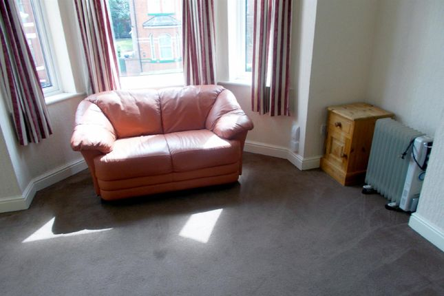 Thumbnail Room to rent in Victoria Crescent, Eccles, Manchester