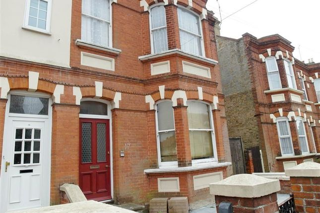 Thumbnail Flat to rent in Prices Avenue, Cliftonville, Margate