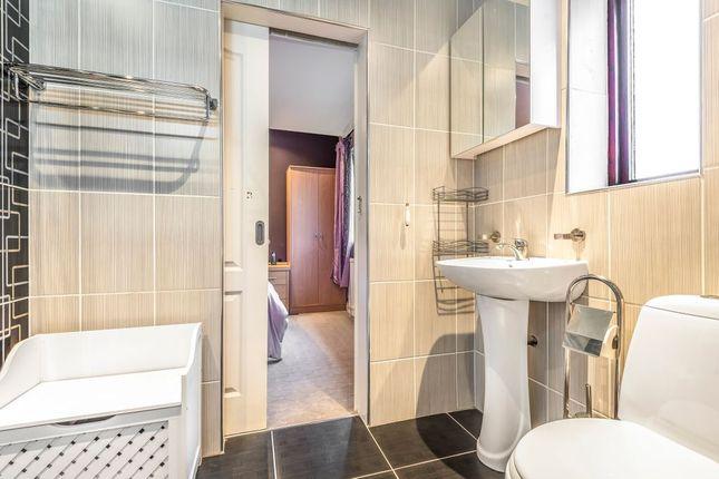 Bathroom (Jack & Jill En-Suite)