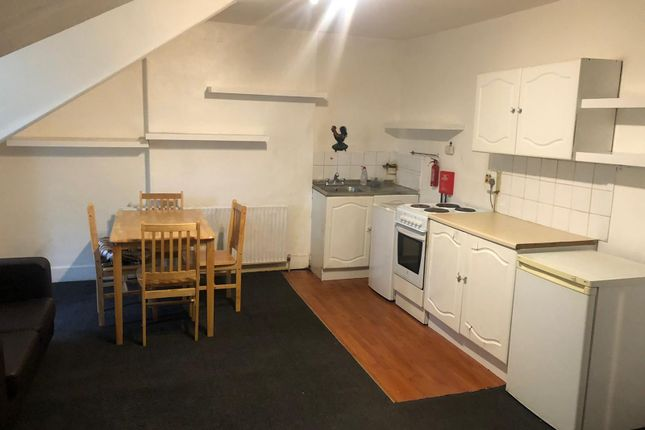 Thumbnail Studio to rent in Bowes Road, Palmers Green, London