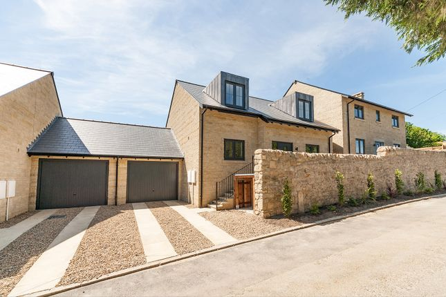 Thumbnail Cottage for sale in Thornlea Cottage, Tulip Mews, Heddon-On-The-Wall, Northumberland