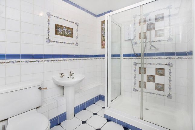 Shower Room of Florida Drive, Exeter EX4