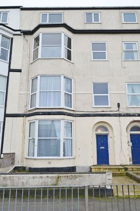 Thumbnail Flat to rent in Marine Road, Pensarn