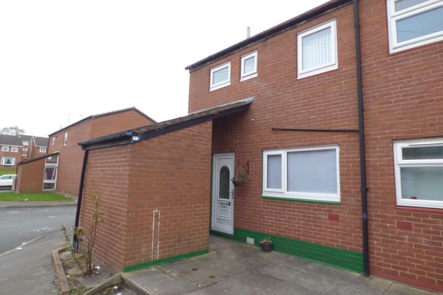 Thumbnail Town house to rent in Roseneath Place, Armley