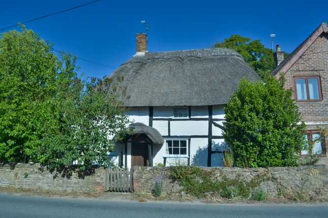 London Road, Watersfield, Pulborough RH20