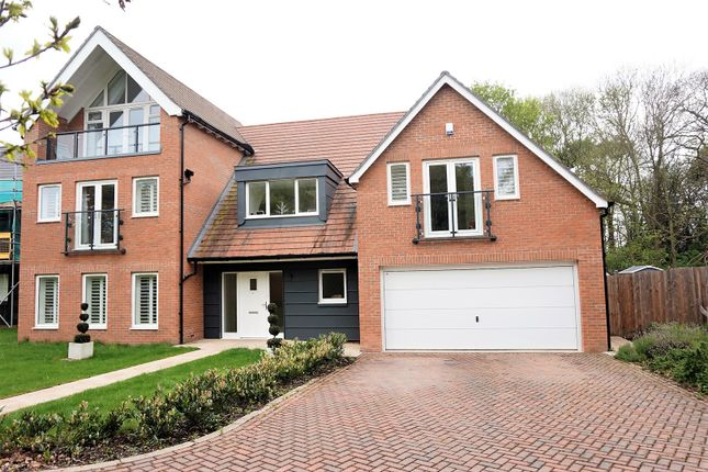 Thumbnail Detached house for sale in Woodland Gate Walk, West Malling