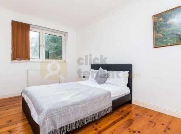 Thumbnail Property to rent in Horndean Close, London, Greater London
