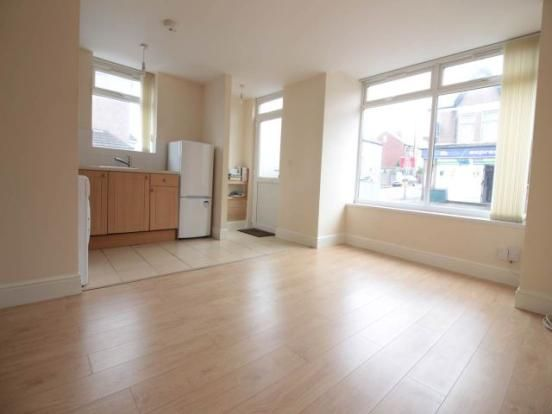 Thumbnail Flat to rent in Caerleon Road, Newport