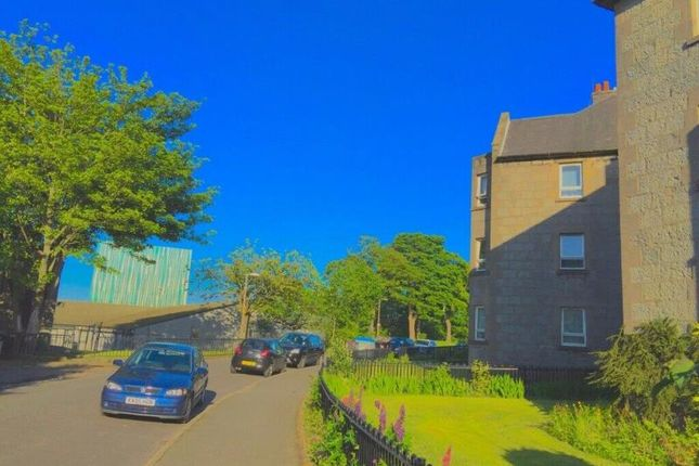 Thumbnail Flat to rent in 27 A Powis Crescent, Aberdeen