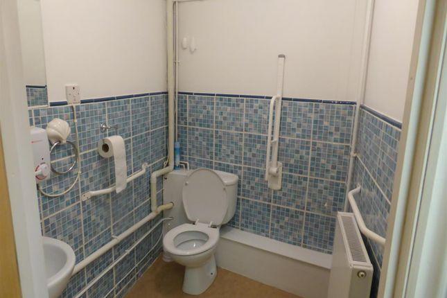 Cloakroom of Crescent Road, Ffairfach, Llandeilo SA19