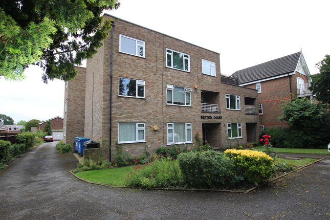 Thumbnail Flat for sale in Sefton Court, The Ridgeway, Enfield