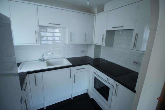 Thumbnail Flat to rent in Stilemans, Wickford
