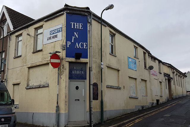 Thumbnail Pub/bar for sale in Gwent - Substantial Valleys Town Freehouse NP22, Gwent
