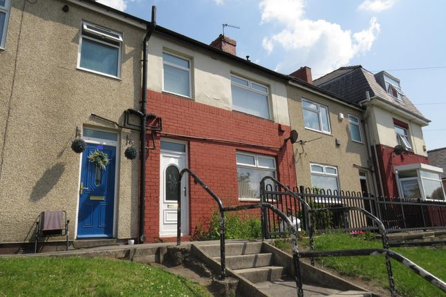 3 bed property to rent in Ovenden Way, Halifax HX3