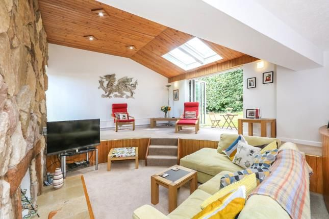 Thumbnail Detached house for sale in Howey Rise, Frodsham, Cheshire