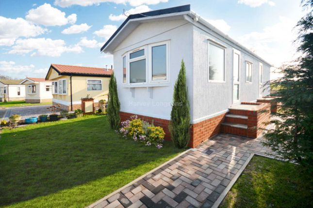 Thumbnail Mobile/park home for sale in Tollerton Road, Rushcliffe, Nottinghamshire
