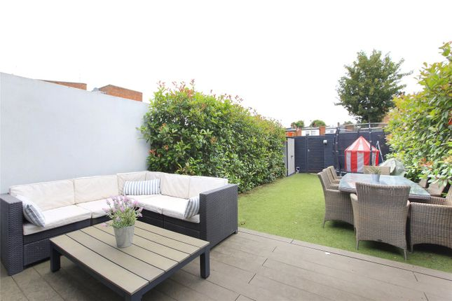 Picture No. 06 of Fernlea Road, Balham, London SW12