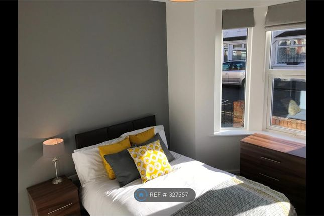 Room to rent in Plymouth Street, Swindon