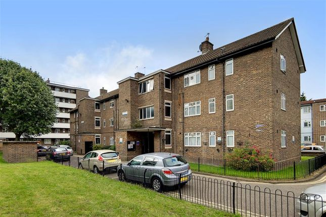 Thumbnail Flat for sale in Nottingham House, Lowth Road