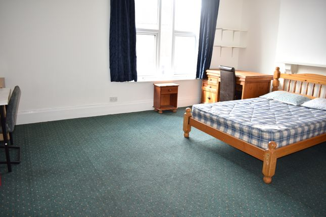 Thumbnail Flat to rent in Cottage Grove, Southsea, Portsmouth, Hampshire