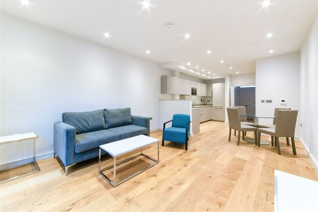 Thumbnail Barn conversion to rent in Hawthorne Crescent, Greenwich, London