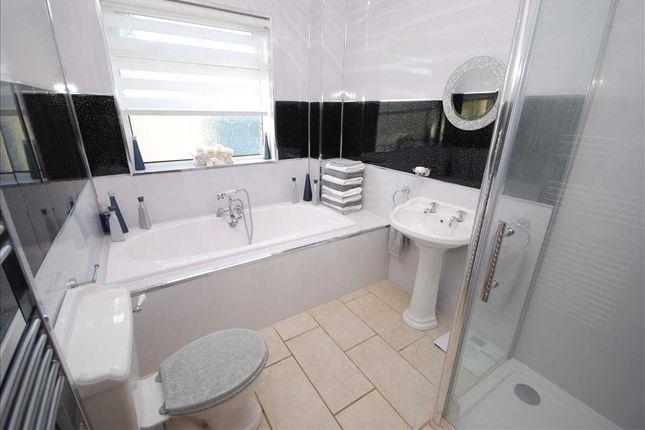 Bathroom of Underwood, Kilwinning KA13