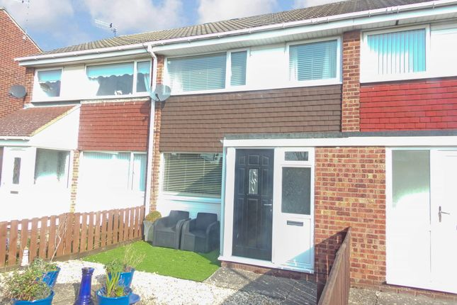 Thumbnail Terraced house to rent in Grebe Close, Blyth