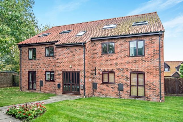 Thumbnail Flat for sale in Thorpe Hall Close, Norwich, Norfolk