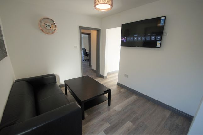 2 bed flat to rent in Burnsall Road, Canley, Coventry CV5