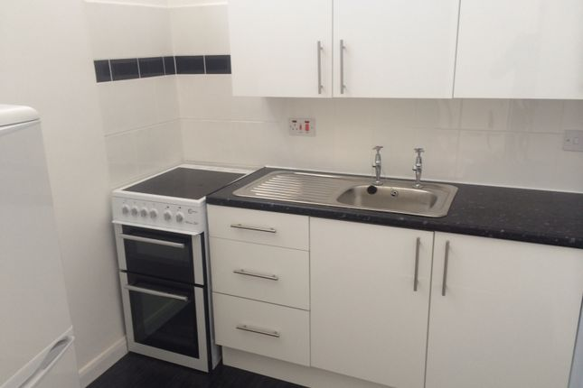 Thumbnail Flat to rent in Dorchester Parade, Hazel Grove, Stockport