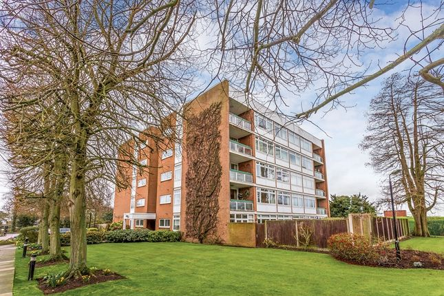 Thumbnail Flat for sale in The Bowls, Chigwell
