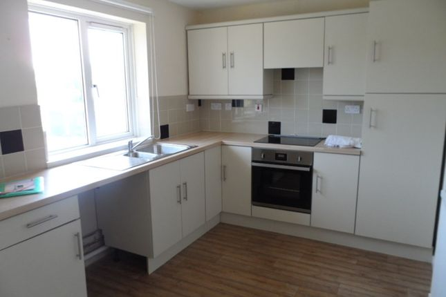 Thumbnail Flat to rent in Min Y Rhos, Ystradgynlais, Swansea