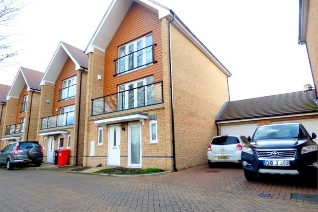 Thumbnail Detached house to rent in Edgeworth Close, Langley, Berkshire