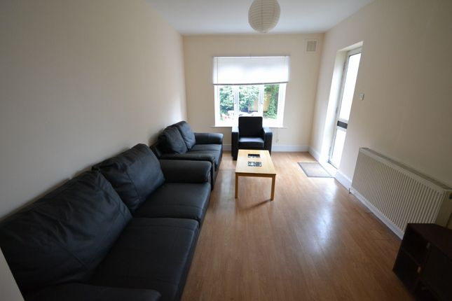 Thumbnail Property to rent in Larch Road, London