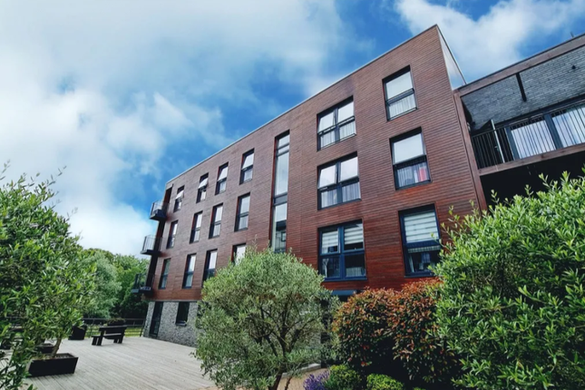 Thumbnail Flat to rent in Sovereign Court, Stanmore, London